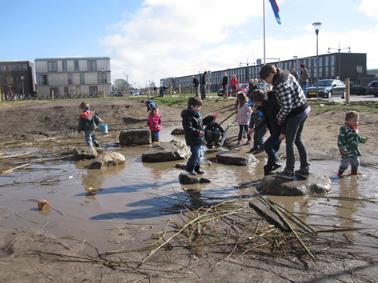 Ravotten met zand en water